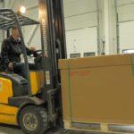 ACE Logistics paku termināls Rīgā, kravas iekraušana