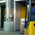 paku iekraušana terminālā, kravas sagatavošana transportēšanai