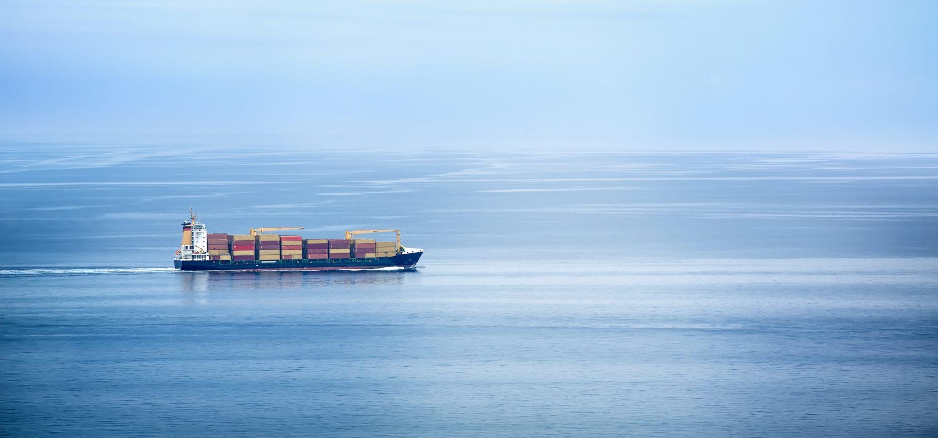 jūras kravu pārvadājumi, kravas konteineri kuģī